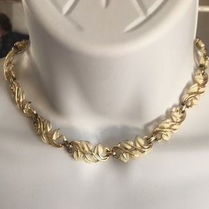 Vintage 50's Genuine Coro choker necklace